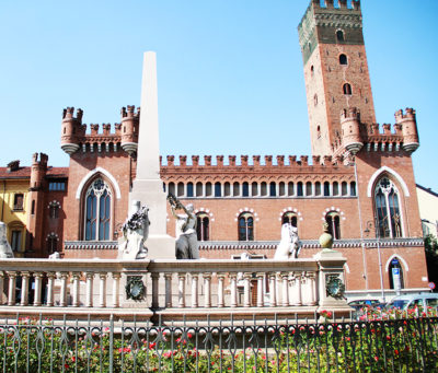 Monumento_all'Unità_d'Italia_ad_Asti_1